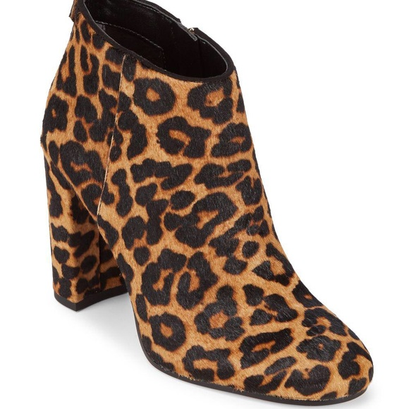83bc76450a16d1 Sam Edelman Women s Cambell Leather   Fur Booties.  M 5b8704e310fc54e6efeda6ef